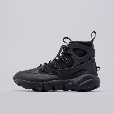 Nike Women's Air Footscape Mid in Black/Summit White - Notre