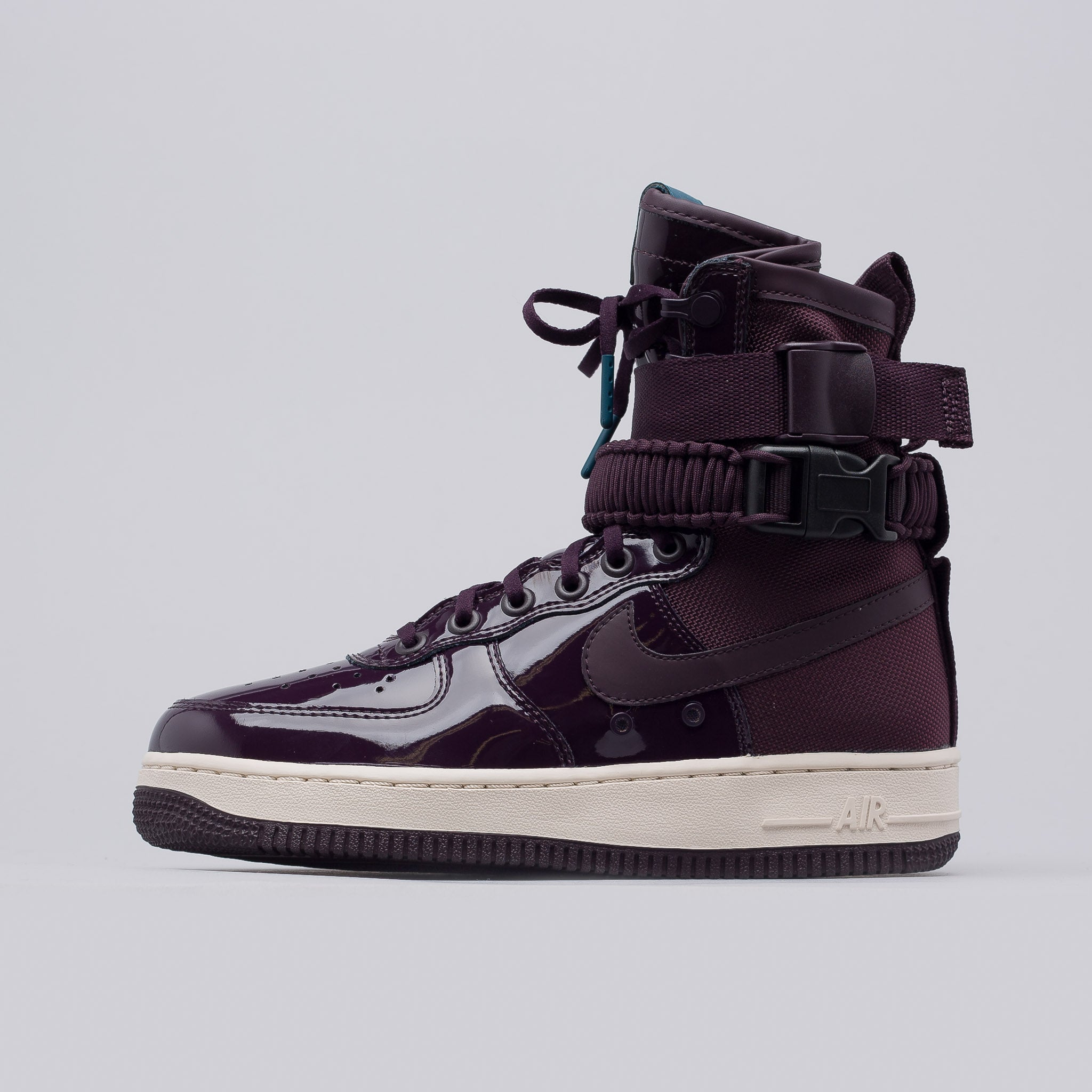 online retailer 06d3e 84041 ... Womens Nike Air Force 1 Boots WNS 6 Inch Grey Brown Womens Special  Field Air Force ...