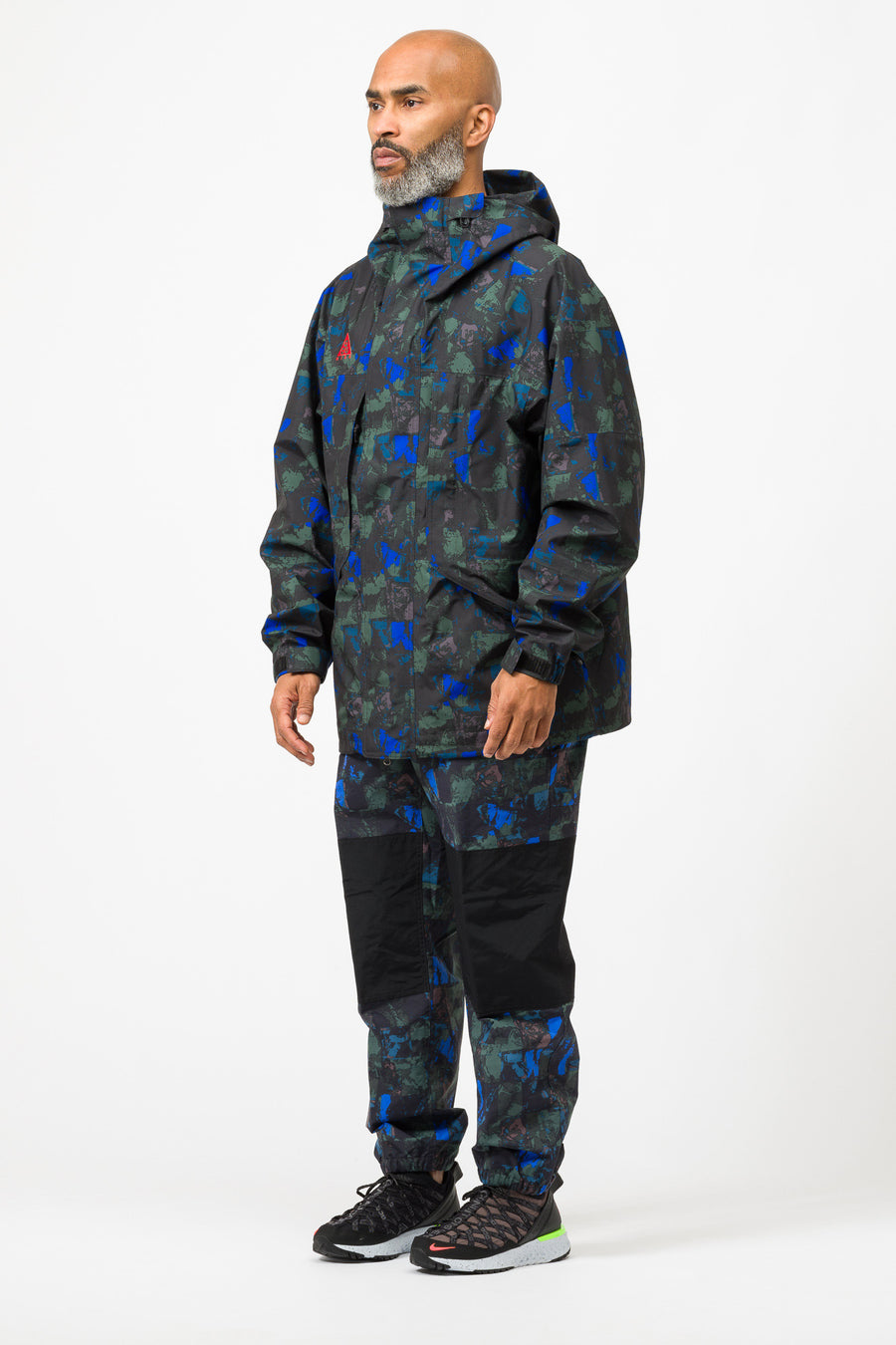 Nike ACG Gore-Tex Allover Print Jacket in Racer Blue/Habanero Red - Notre