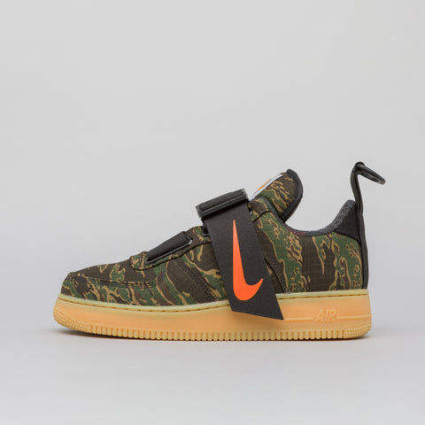 Nike x Carhartt WIP Air Force 1 UT Low PRM in Camo Green/Orange - Notre