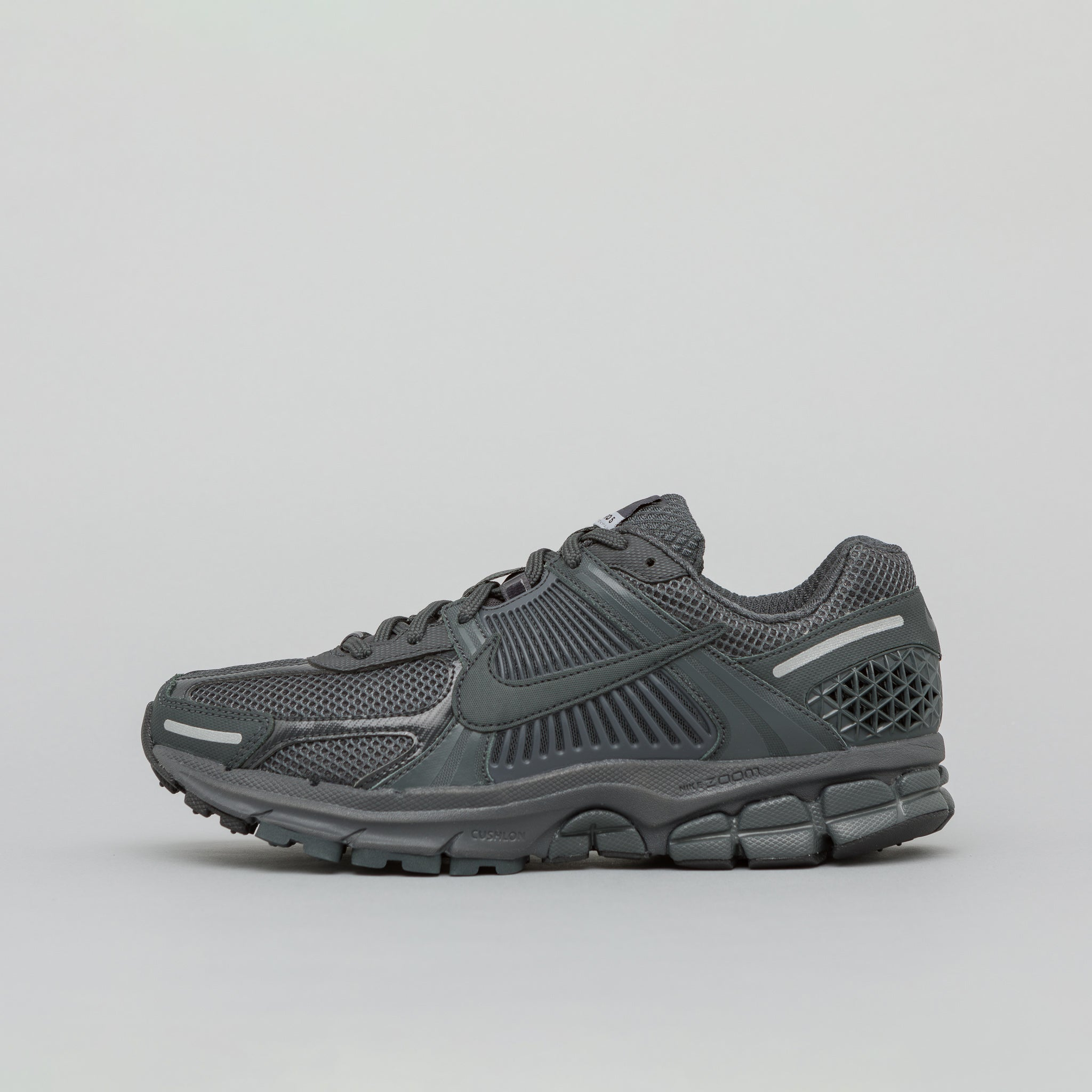 69cf9bec9fd9 Zoom Vomero 5 SP in Anthracite · Nike