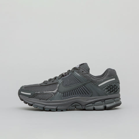 Nike Zoom Vomero 5 SP in Anthracite - Notre