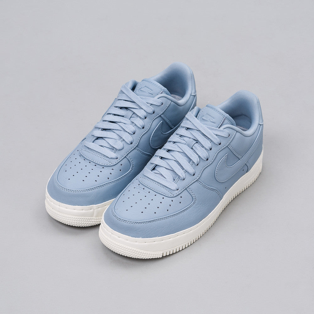 Nike - Nikelab Air Force 1 Low in Blue - Notre - 1