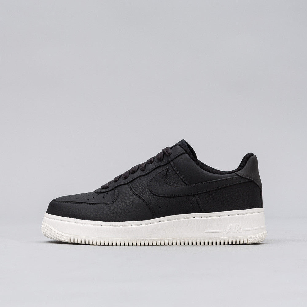 Nike - Nikelab Air Force 1 Low in Black - Notre - 1