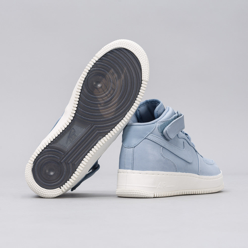 Nikelab Air Force 1 Mid in Blue