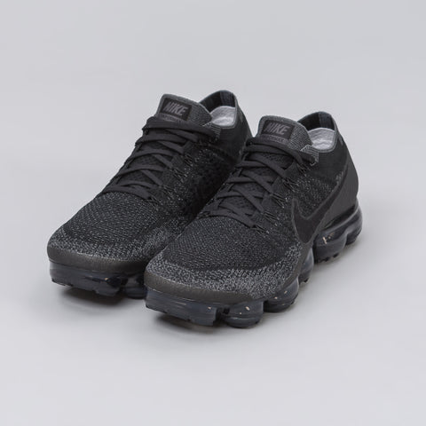 Nike Women's Air Vapormax Flyknit in Triple Black (June 2017) - Notre