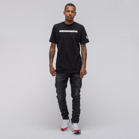 Nike Nikelab Essentials NSRL T-Shirt in Black - Notre