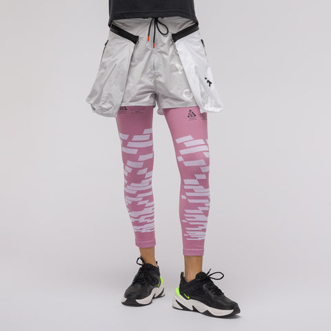 NikeLab Women's ACG Compression Leg Sleeves in Pink - Notre