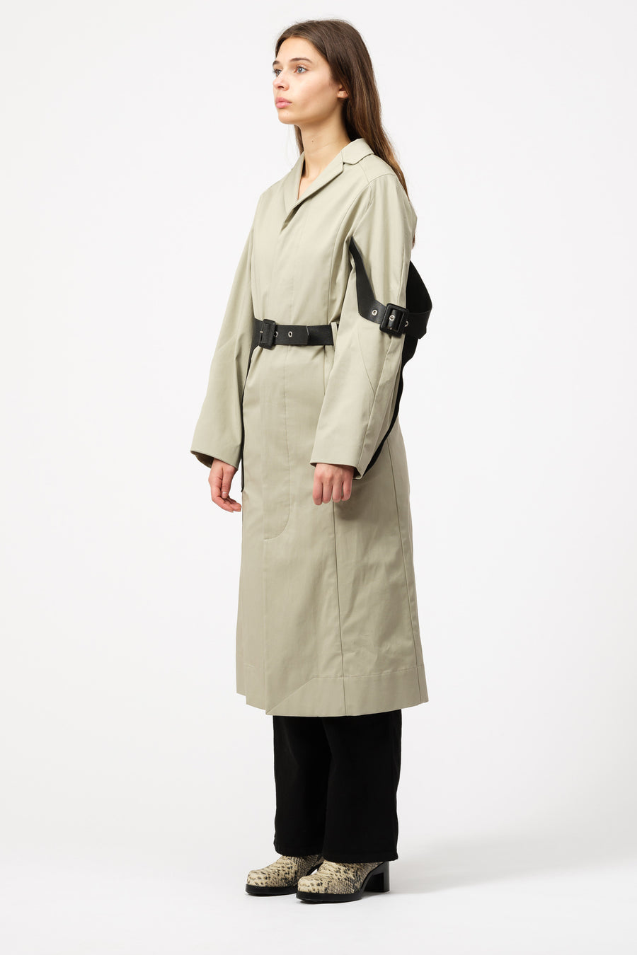 Pihakapi Trench Coat in Isabelline/Black - Notre