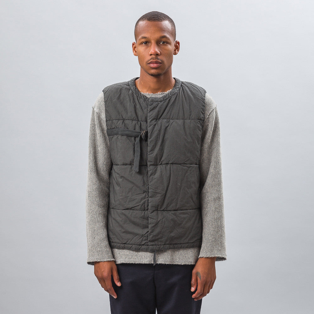 Garment Dyed Vest in Charcoal