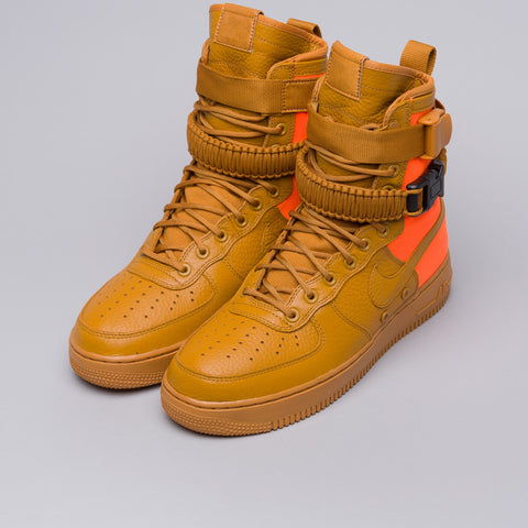 Nike Special Field Air Force 1 QS in Desert Ochre/Total Orange - Notre