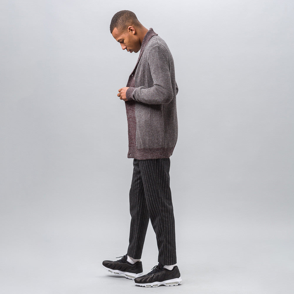 Notre Exclusive - Mountains Cardigan in Grey/Burgundy