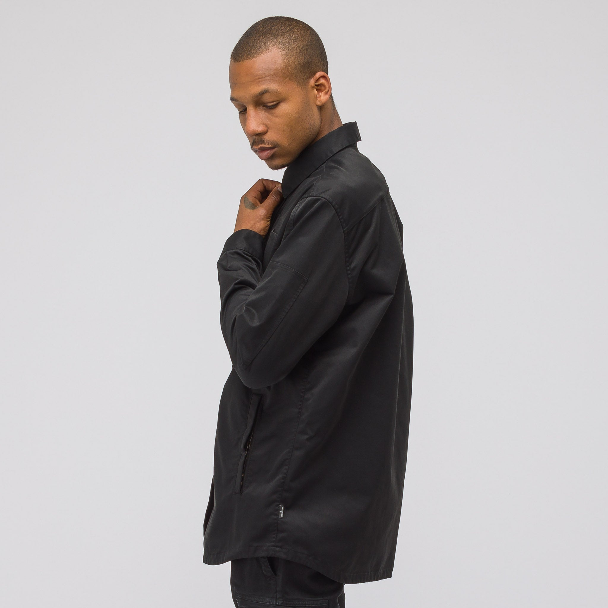 10305 Garment Dyed Poly Button Down in Black