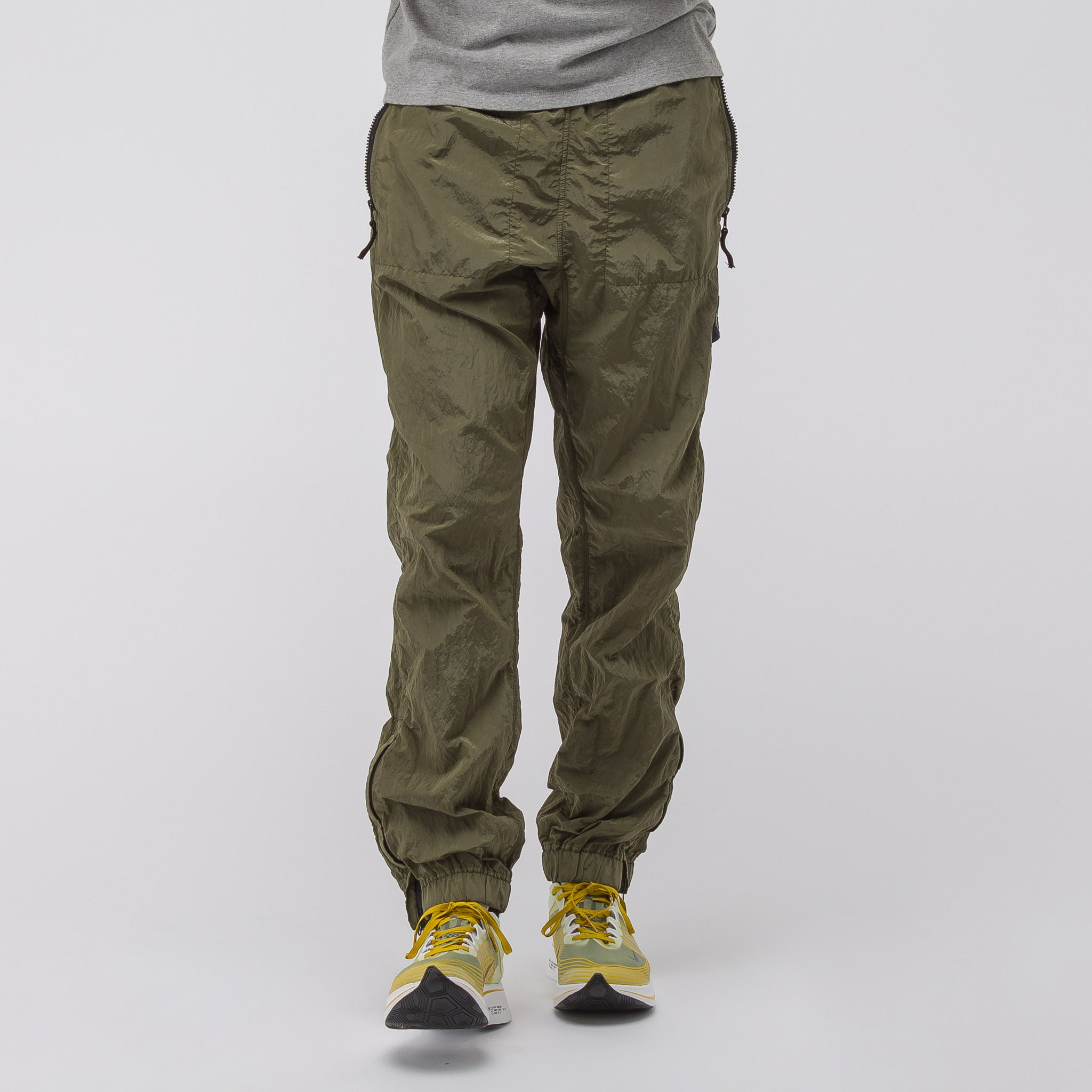 64212 Track Pant in Olive