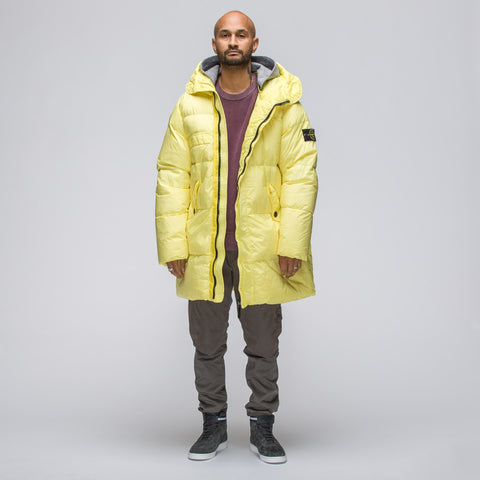 Stone Island 70223 Garment Dyed Crinkle Reps NY Down Coat in Citron - Notre
