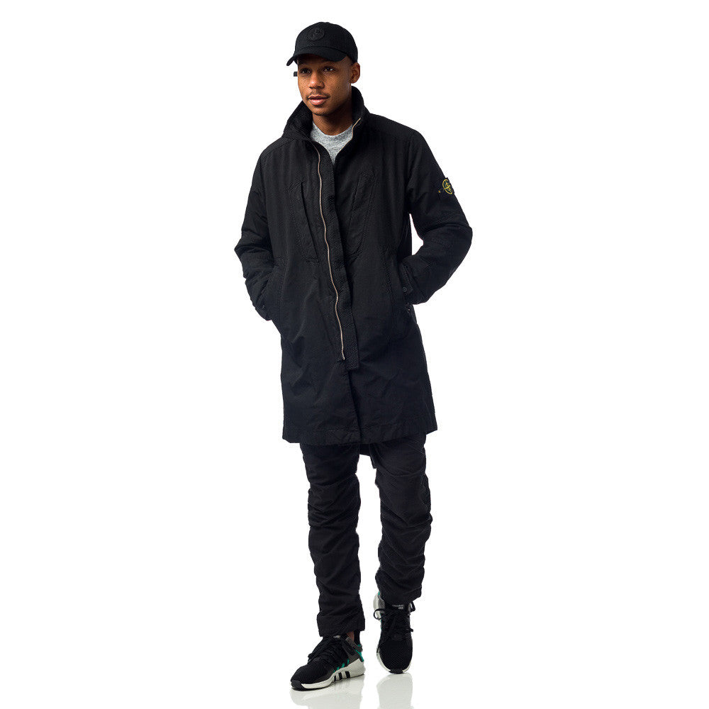 Stone Island 70849 David-TC With Detachable Down Lining in Black on Model