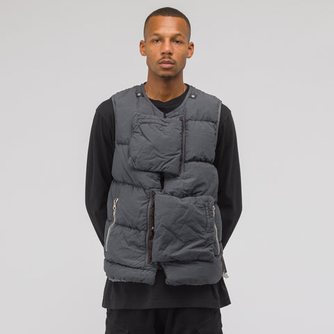 Stone Island Shadow Project G0102 Naslan Light Puffer Vest in Charcoal - Notre
