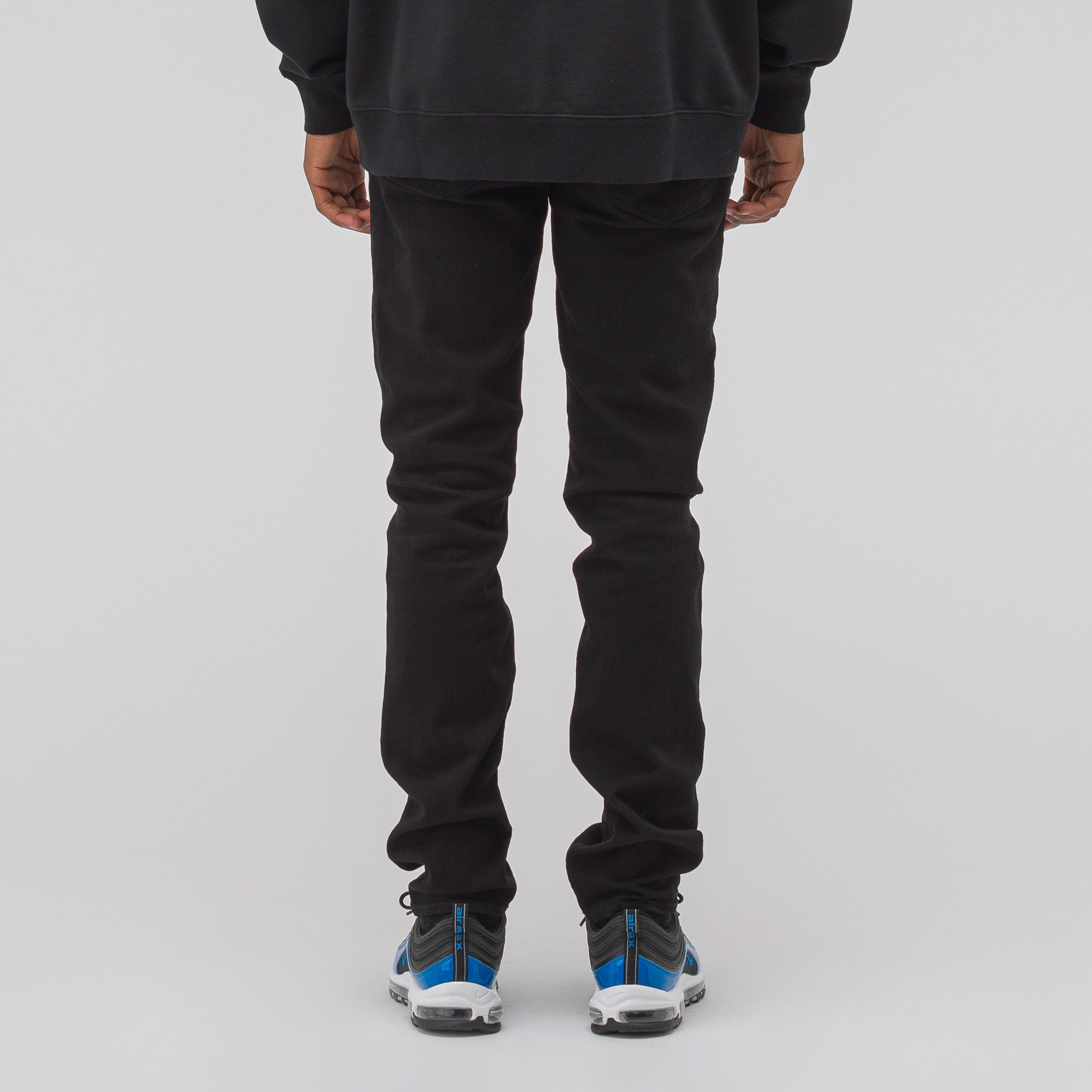J1BQ1 Jeans in Black Wash