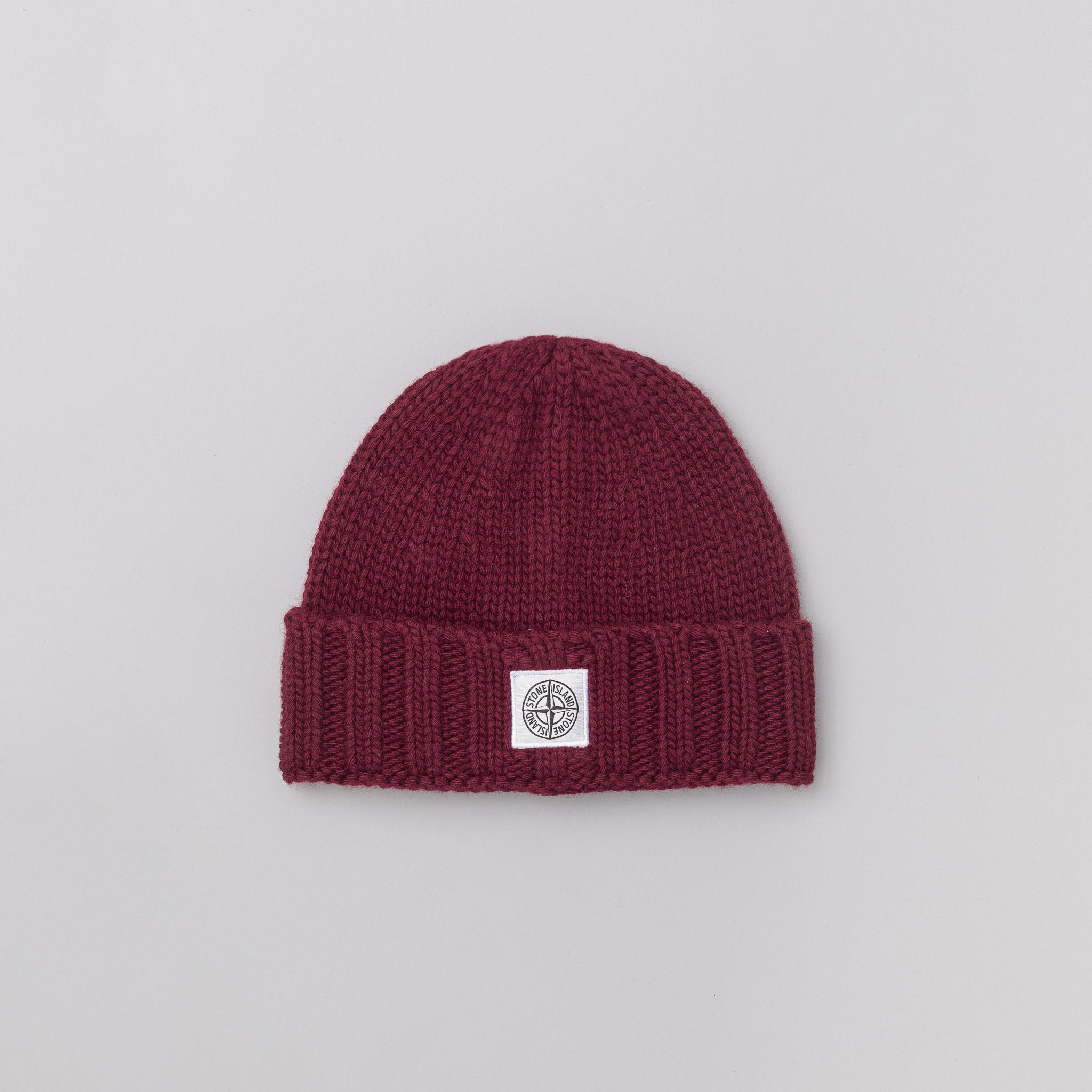 N07C1 Knit Logo Cap in Burgundy