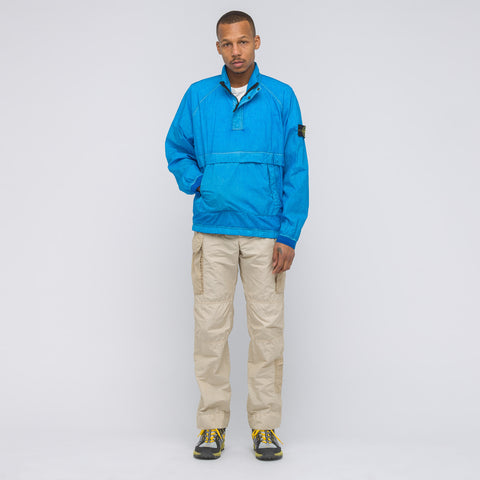 Stone Island Resin Poplin-TC Pullover Jacket in Cobalt Blue - Notre