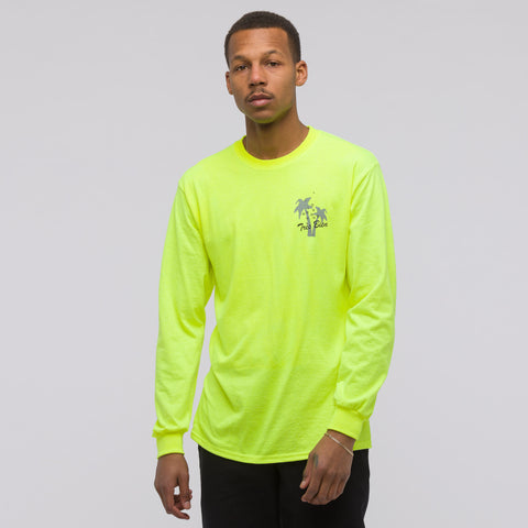 Très Bien Holiday Souvenir Long Sleeve T-Shirt in Yellow - Notre