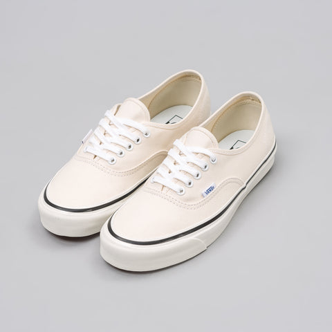 Vans Authentic 44 DX Anaheim Factory in Classic White - Notre