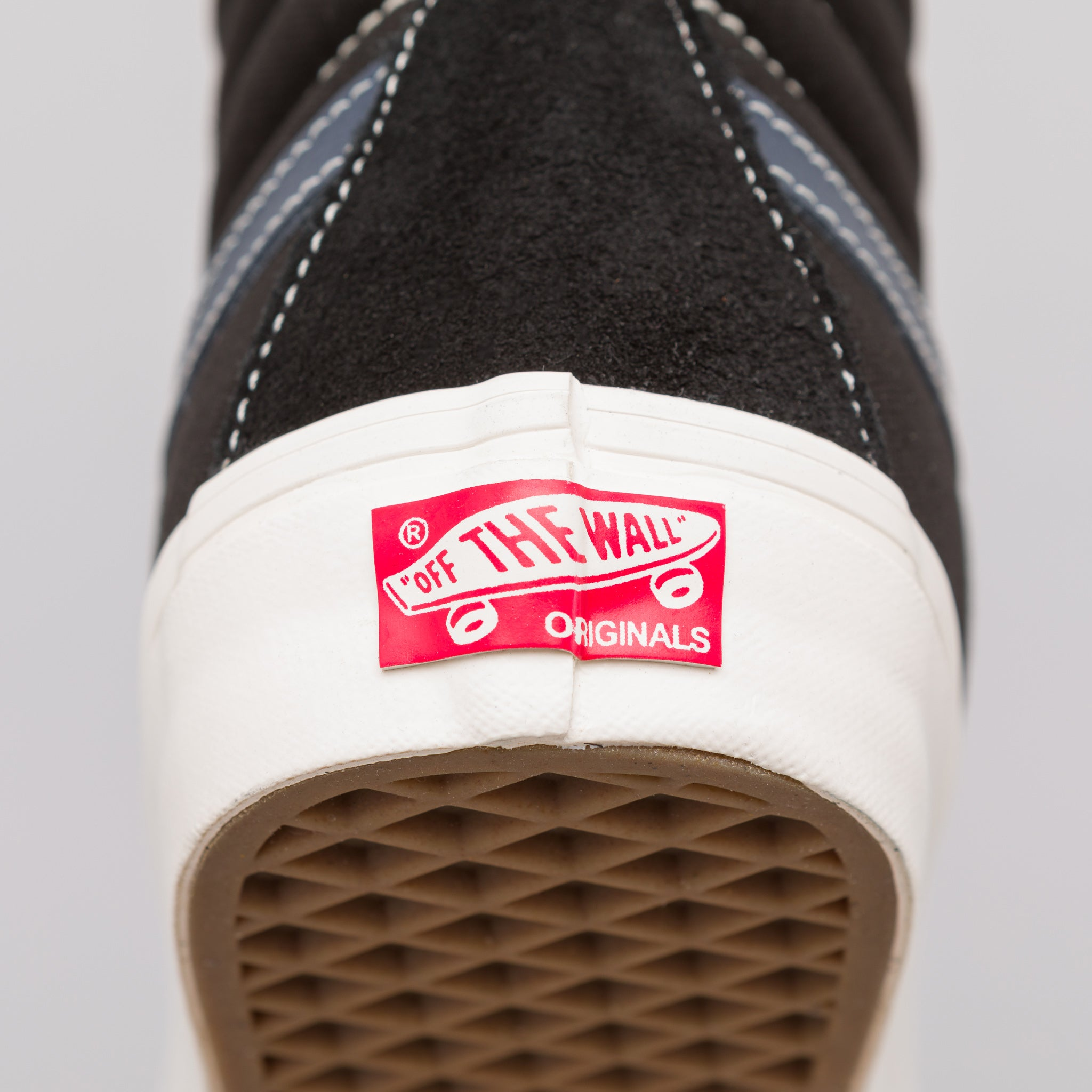 Sk8-Hi LX in Black/Dress Blue