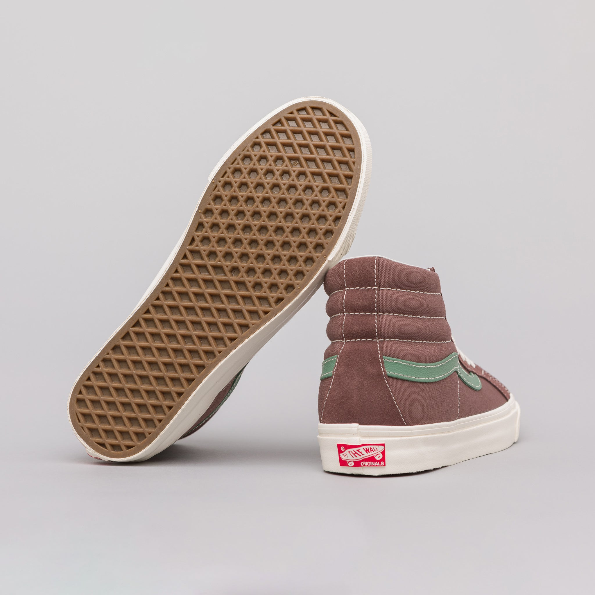Sk8-Hi LX in Deep Taupe
