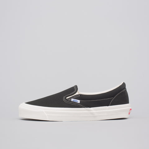 Vans Vault OG Classic Slip-On in Black - Notre
