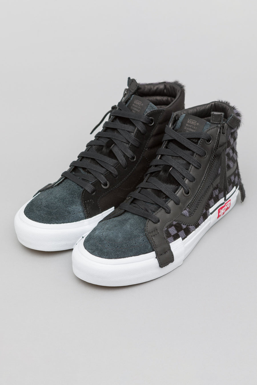 Vans Vault Sk8-Hi Cap LX in Black/True White - Notre