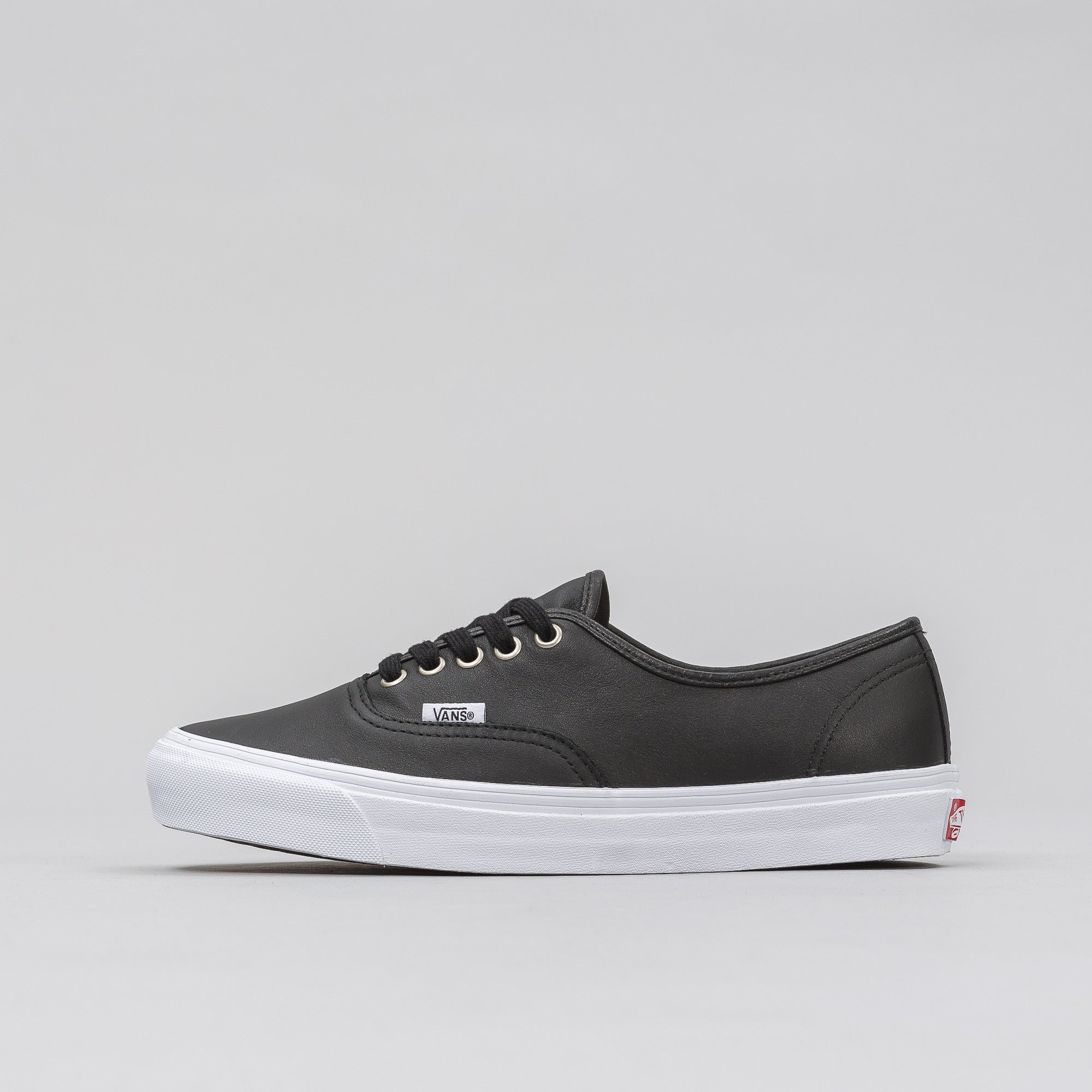 UA OG Authentic LX in Black