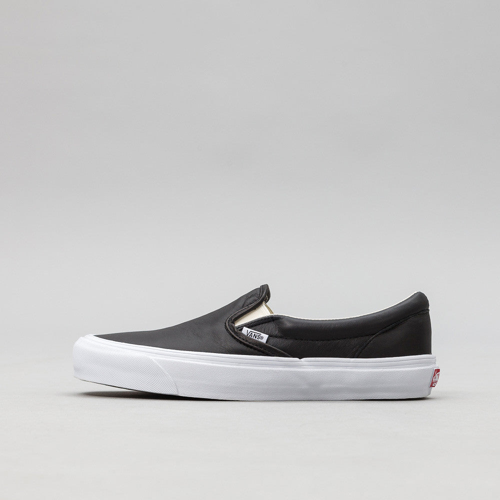 Vans Vault OG Classic Slip-On in Black VN000UDF1NS
