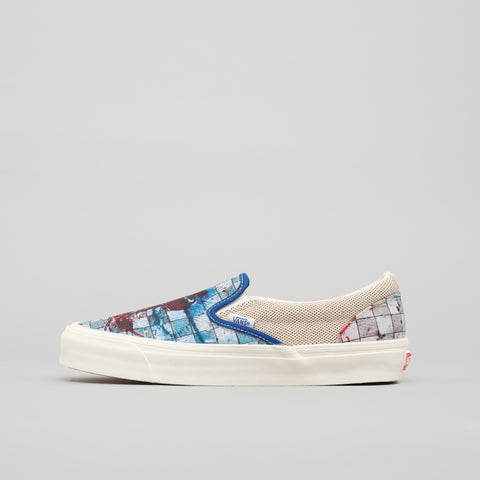 Vans Vault x Ralph Steadman Checkerboard Splatter OG Classic Slip-On in Blue/Maroon - Notre