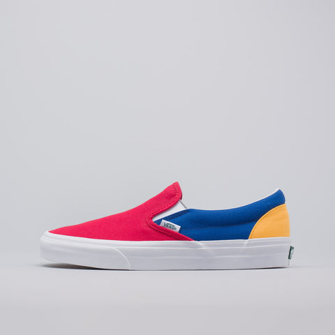 Vans Vans Yacht Club Classic Slip-On in Red/Blue/Yellow - Notre