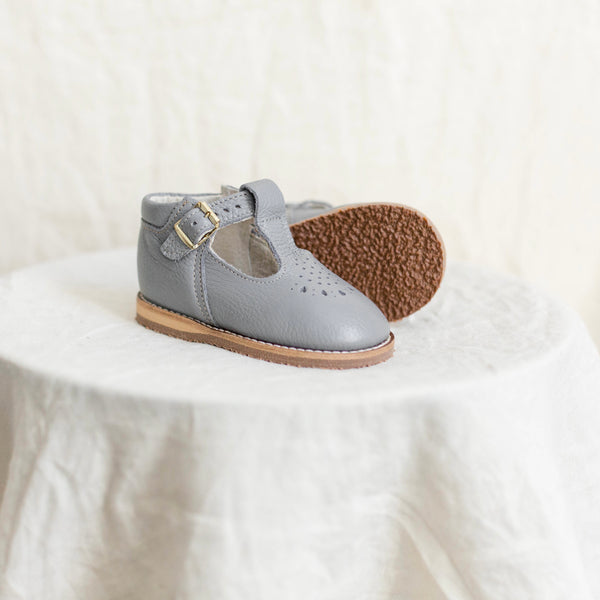 greta leather t-strap in color heron