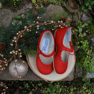 holiday red scalloped mary jane, top grain leather