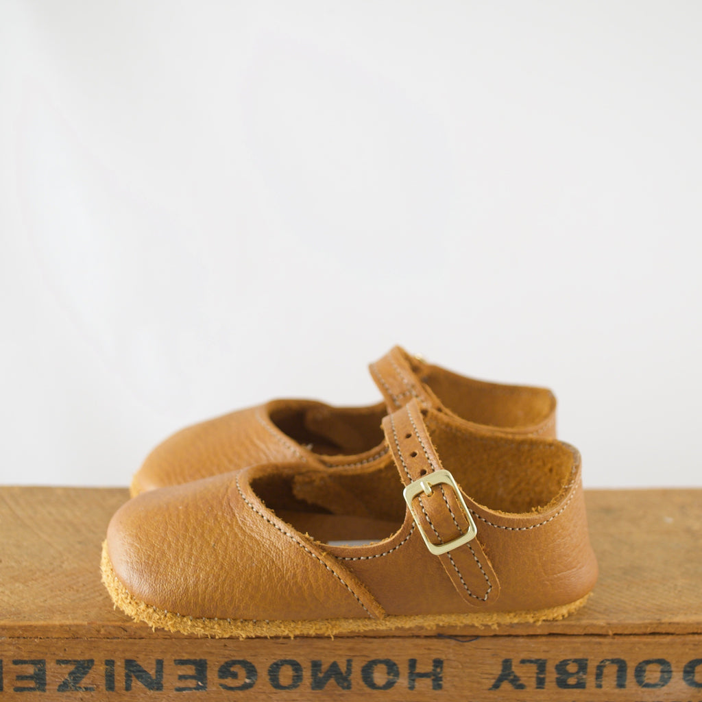 warm brown mary jane crib strap, soft leather