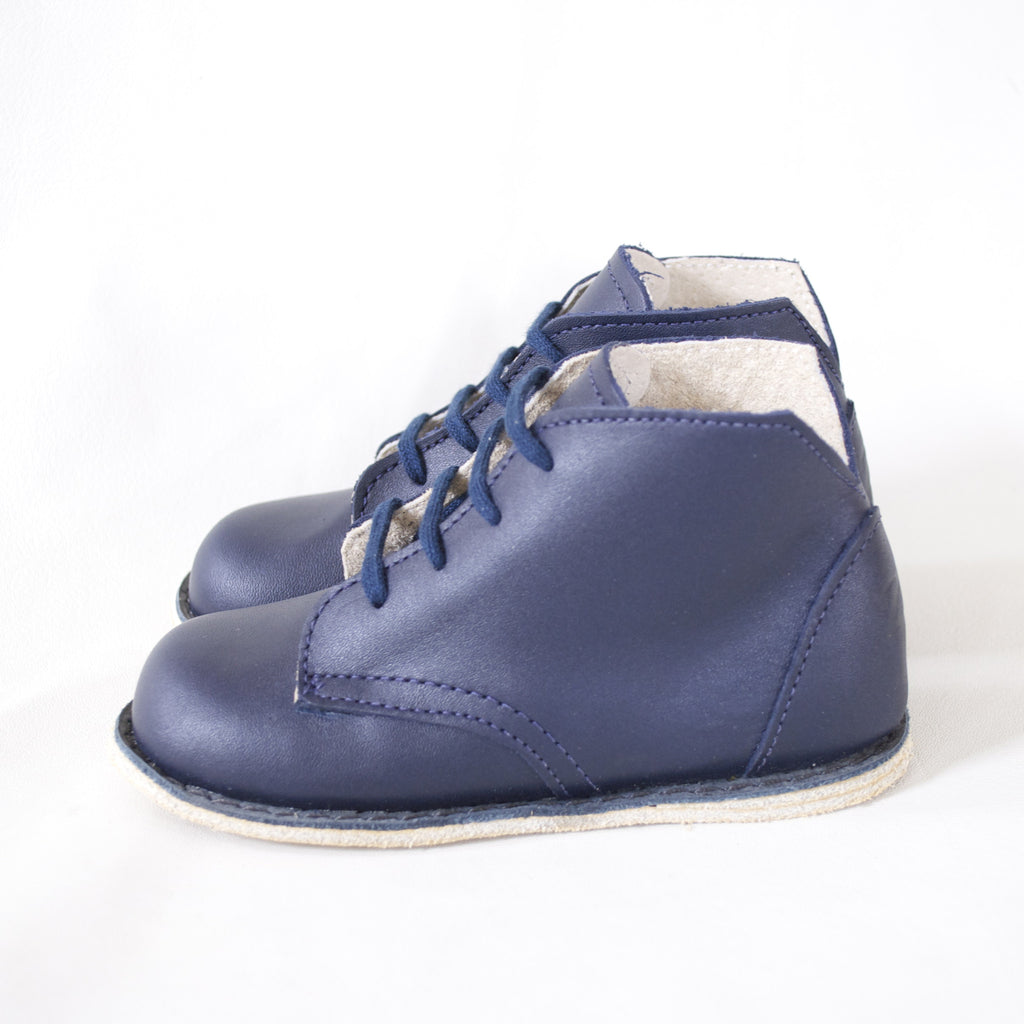 navy blue leather boot for boys