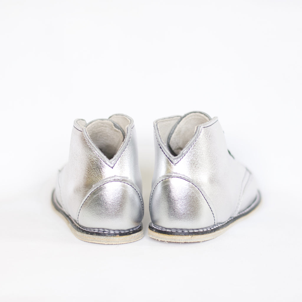 metallic silver leather boot for toddlers