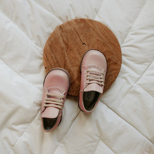 Artie Saddle in Blush Pink | Sizes 5-12