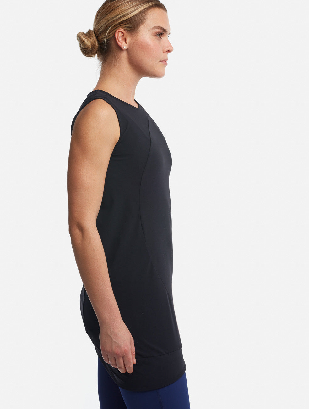 Black Circle Tank [Performance Jersey] - Haven Collective