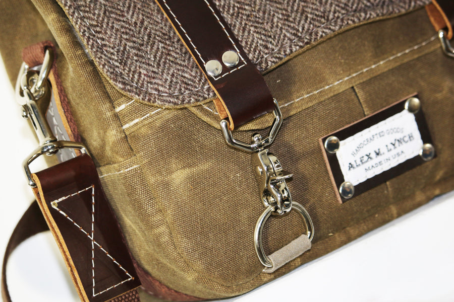 WAXED CANVAS + HERRINGBONE WOOL MESSENGER BAG #010025