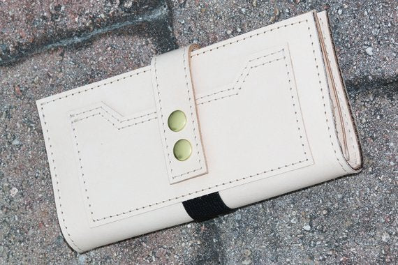 Natural leather wallet - 010109