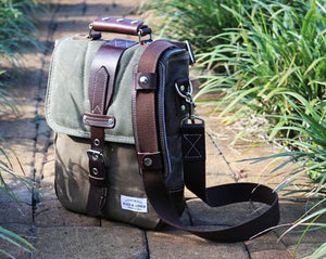VERTICAL MESSENGER BAG #010031