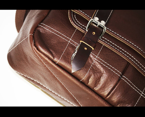 LEATHER MESSENGER BAG #010051