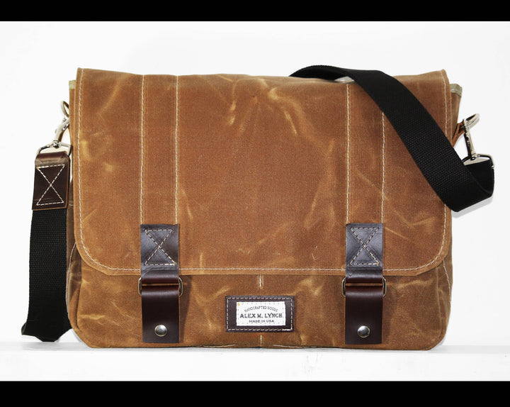 WAXED CANVAS MESSENGER BAG #010029