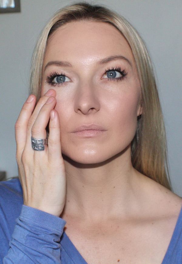 How To Apply Concealer So That You Look Naturally Refreshed And Awake