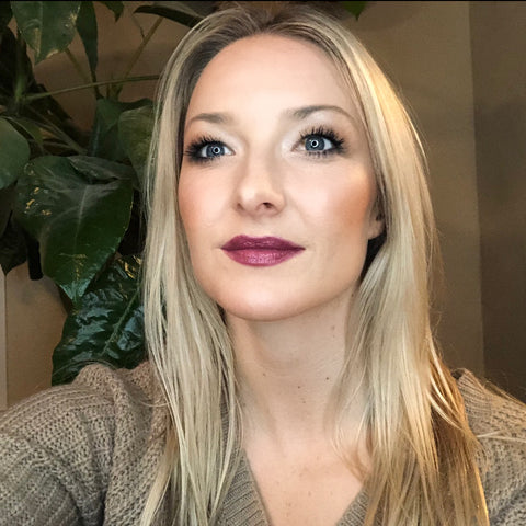 paleo makeup fall look festive safe skincare wine lips thanksgiving