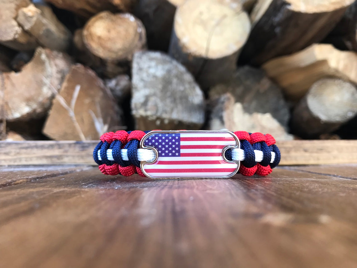 American Flag Dog Tag Paracord Bracelet