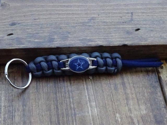 Officially Licensed Dallas Cowboys NFL Paracord Mini Keychain